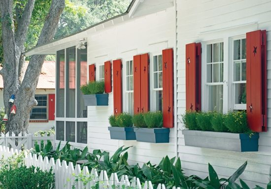 cottage with red starfish shutters