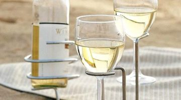 Outdoor Wine Glass Holders for the Beach