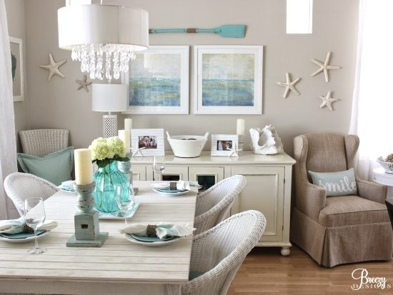Little Cottage In Sunny California Decorated By A Beach Lover With