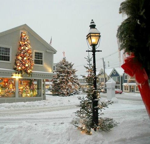 Kennebunkport Maine Christmas | Photo by Bob Dennis
