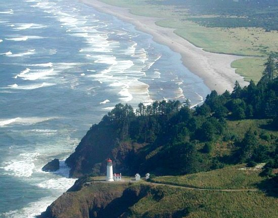 Long Beach WA with Lighthouse