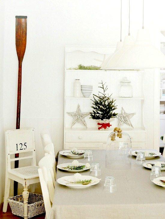 White Beach Cottage Christmas