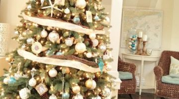 A New England Cottage Christmas in Hues of Sand and Blue