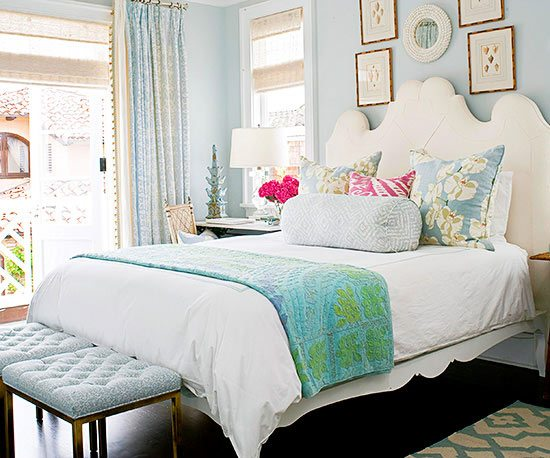 Gray Blue Walls for a Soothing Bedroom