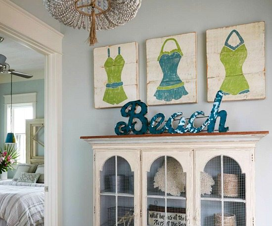Coastal Wall Decor: Elegant Home That Abounds With Beach House Decor Ideas