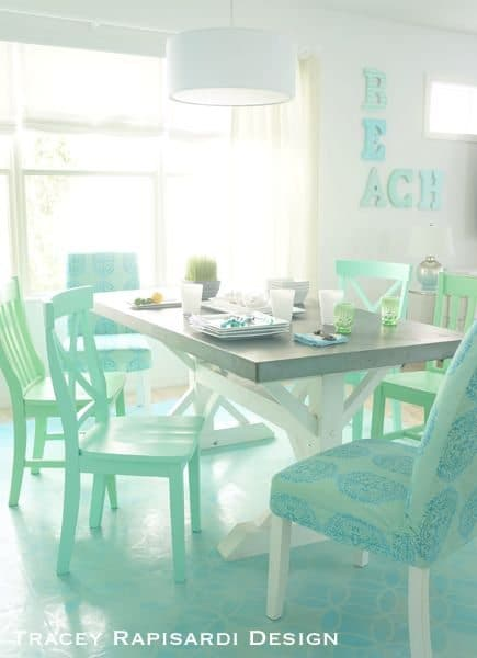 Heavenly beach cottage in pastel by tracey rapisardi for Pastel dining room ideas