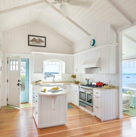 Charming New England Beach Bungalow