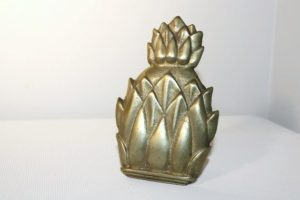 pineapple door knocker