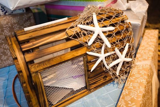10 decorative lobster trap ideas for your beach house beach bliss living decorating and - Trap decor ...